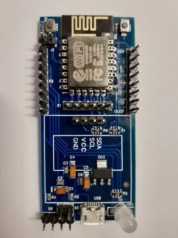 ESP12.OLED_V1. Комплект 2. Контролер IoT без дисплея на основі ESP8266-12F. На інтерфейсі дисплея  встановлений роз'єм I2C, для підключення периферійних модулів
